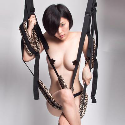 Подвесные леопардовые секс качели