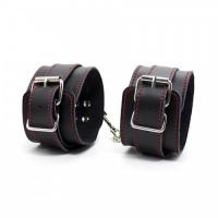 Регулируемые наручники с красными строчками