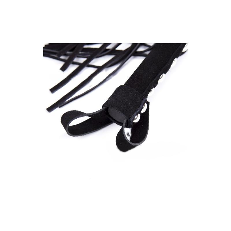 Замшевая черная плеть с заклепками