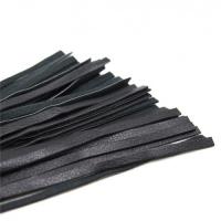 Мягкая красно-чёрная плеть