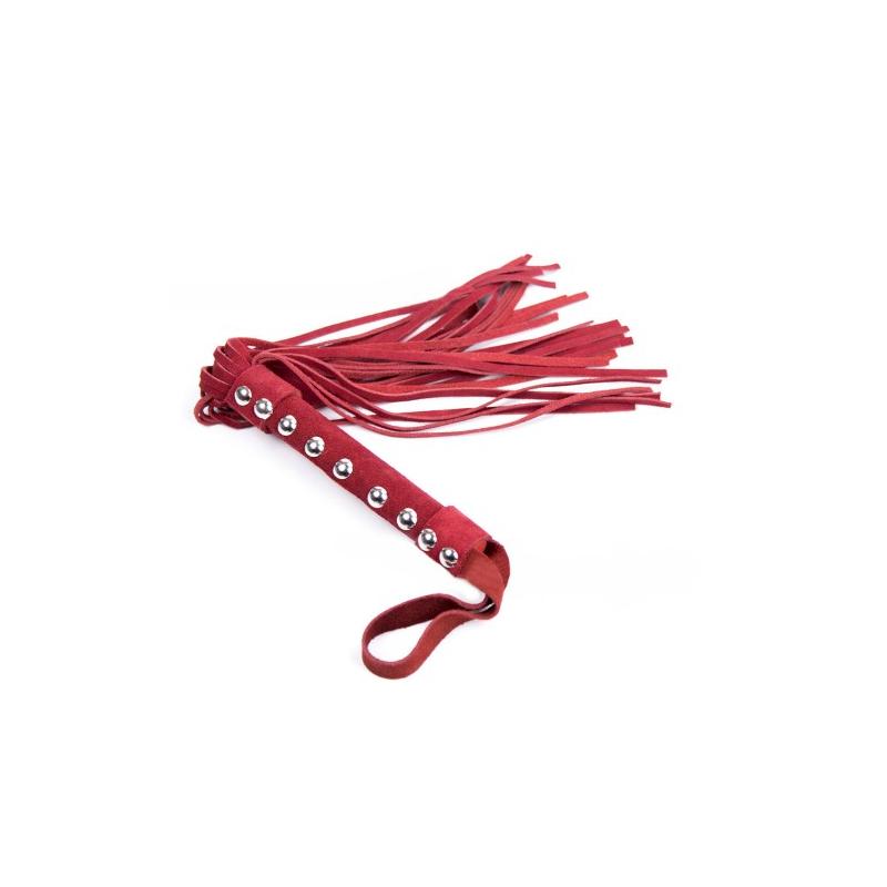 Замшевая красная плеть с заклепками