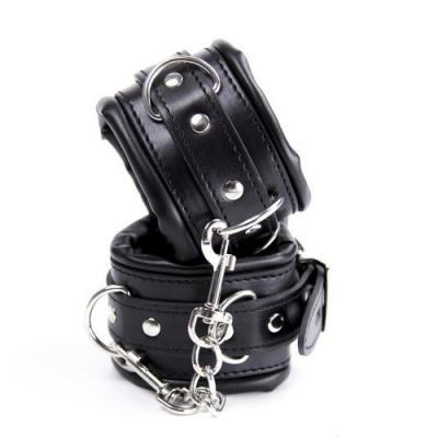Черные наручники с подкладкой