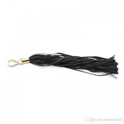 Мягкая замшевая черная плеть