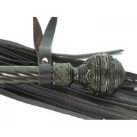 Роскошная плеть с витой шоколадной ручкой в стиле готики
