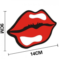 Виниловая наклейка на авто Красные губы
