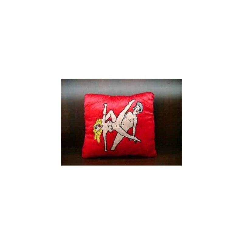 Красная подушка декоративная МонАми