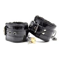 Лакированные черные наручники