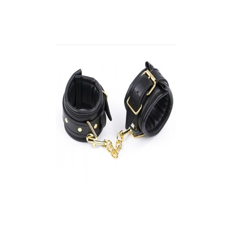Черные наручники с золотистой цепочкой